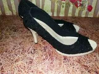 Cafana High heels brukat hitam