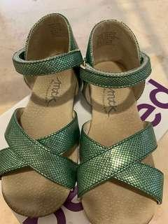 Stephanie sandals