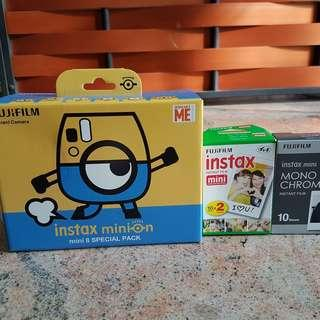 Minion Instax mini 8 + 20 films + 10 monochrome films [available until 9 december]