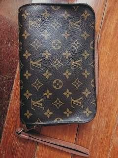 Louis vuitton clutch orsay