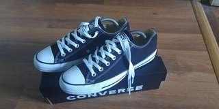 Converse Chuck Taylor UK8 authentic
