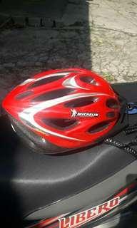 Helm sepeda michelin