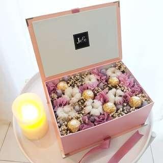 Kado Kotak Bunga Flower Gift Box with Ferrero Chocolate