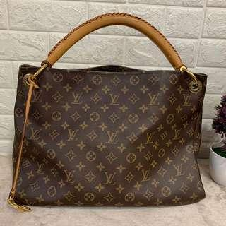 Louis Vuitton lv arsty MM