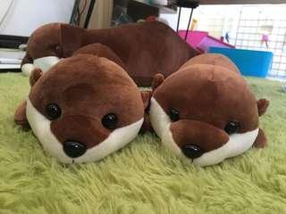 🚚 水獺寶寶 玩偶 抱枕