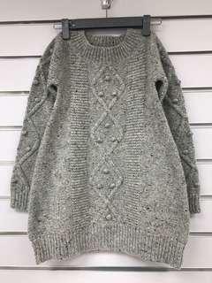 Brand new girl's wool mixed top/sweater 全新5-6歲女童麻花冷衫