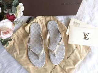 Louis Vuitton Wavy Thong Sandals-Ivory/Gold