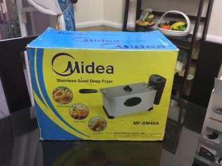 Brand new deep fryer