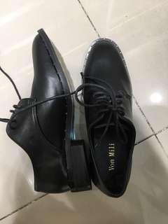 sepatu pantofel boots docmark pendek
