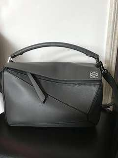 🈹9成8新 Loewe puzzle bag medium grey象灰色🈹