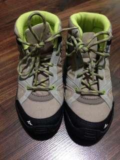 Quechua Boys Mid Cut Shoes
