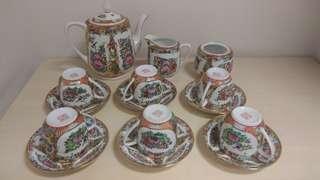 中國廣彩15件西式茶具(糖盅欠盖