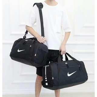 🚚 Nike大容量旅行袋