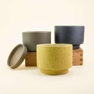 🚚 Glazed Ceramic Pot