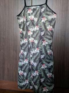 🚚 Tropical bodycon spag dress