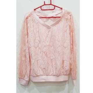 🚚 ★二手物★粉色毛毛大v領上衣~內標示XXL 實際我M可以穿著~大約適合M-L可以穿 保存良好~