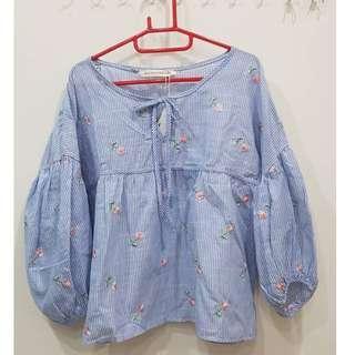 全新 有吊牌 砰砰寬袖子 M~L都可以穿著 刺繡花朵 Blue Shop & Blue Sador 韓國製造 MADE IN KOREA