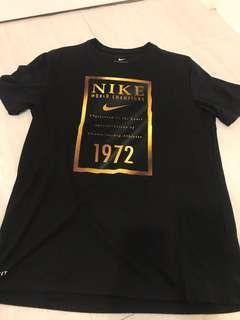 Nike 籃球服飾 L號