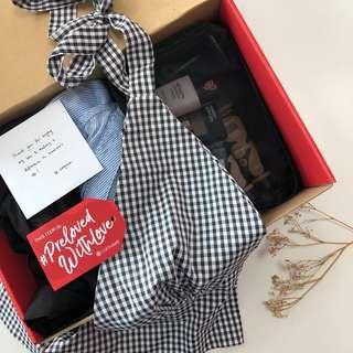 🚚 Eugena's Fashion & Makeup Box (1)