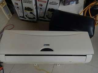 FOR sale split type aircon 1hp YORK