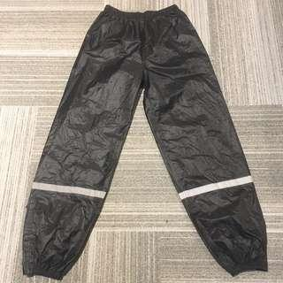 Brand New! XL size Motorcycle water proof Long pant👖with 2 reflective strip! (Night Rider safety)