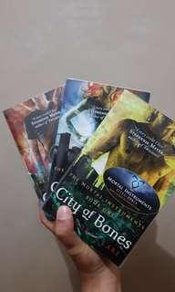 Mortal Instruments, city of bones, city of ashes, city of glass ENGLISH
