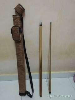Snooker q and bag