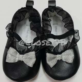 Meet My Feet black shoes