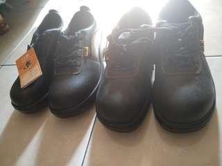 Sepatu safety D&D