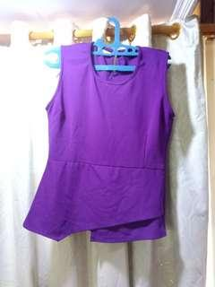 Peeplum ungu