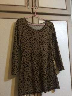 🚚 咖啡豹紋長版上衣