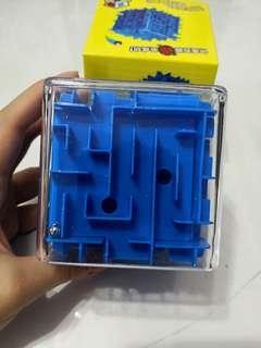 Blue 3D square Maze
