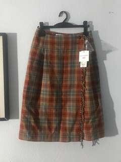 Uniqlo Wrap fringe skirt