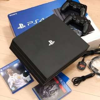 九成新 Sony PS4 Pro 1TB with 2 controllers and 2 games full set almost new