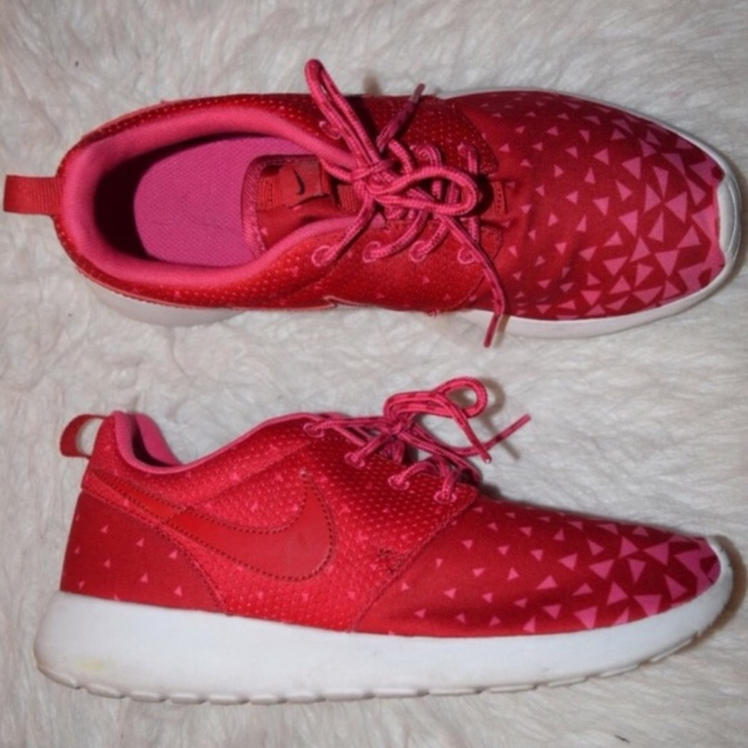 0aa6da5f055 Authentic Nike Roshe Run Kids Gs Triangles Gym Red White