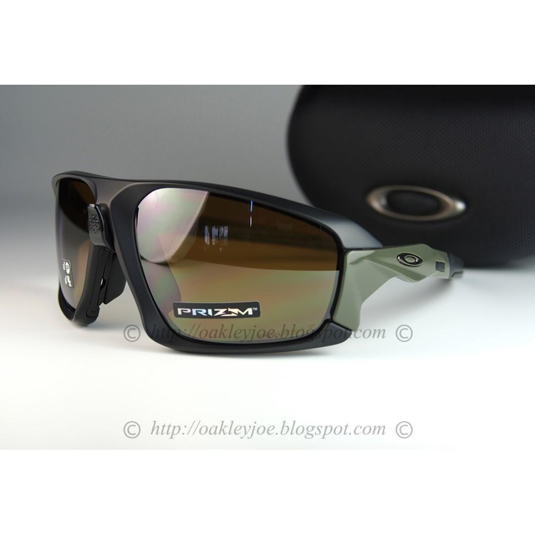 01101e41a3 BNIB Oakley Field Jacket matte black + prizm tungsten polarized OO9402-0764  sunglass shades