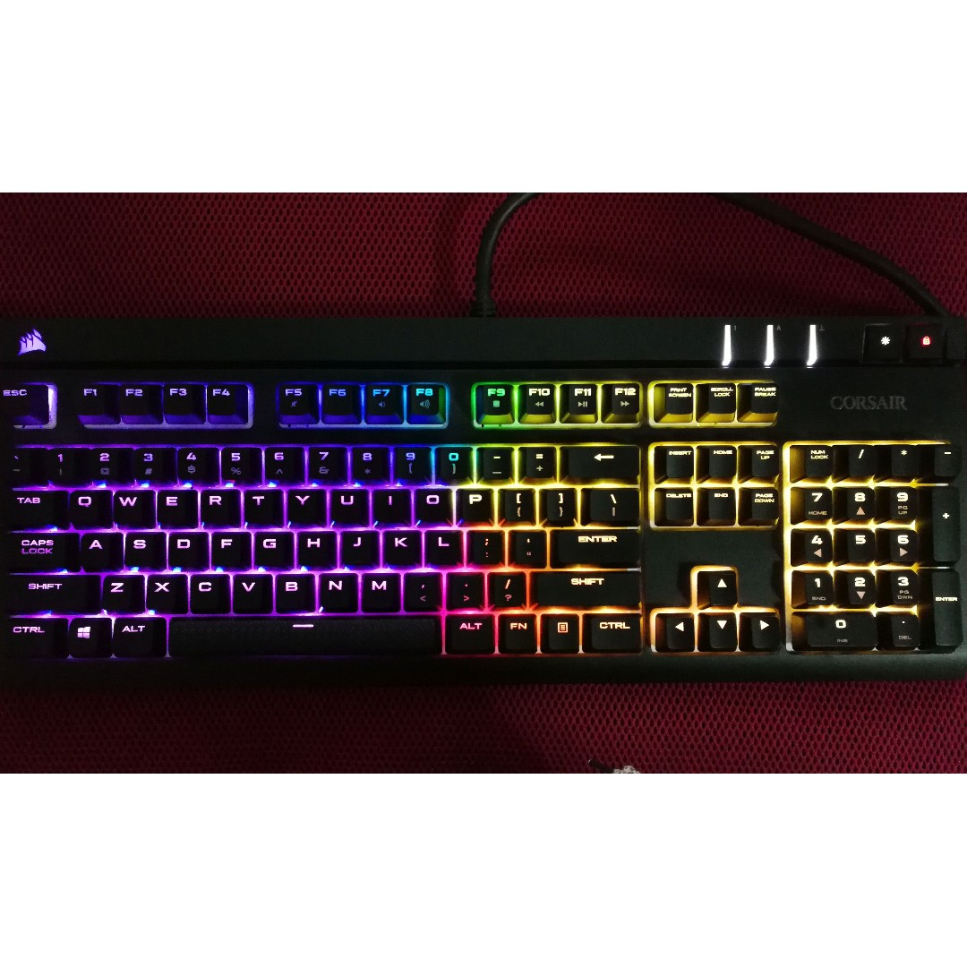 Corsair Strafe RGB mechanical gaming keyboard RGB backlight Cherry MX  Silent switches linear smooth programmable!