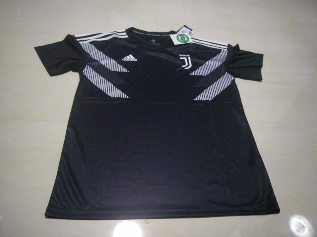 the best attitude b0461 7f411 Juventus 18-19 Black Short Sleeve Training Kit, Sports ...
