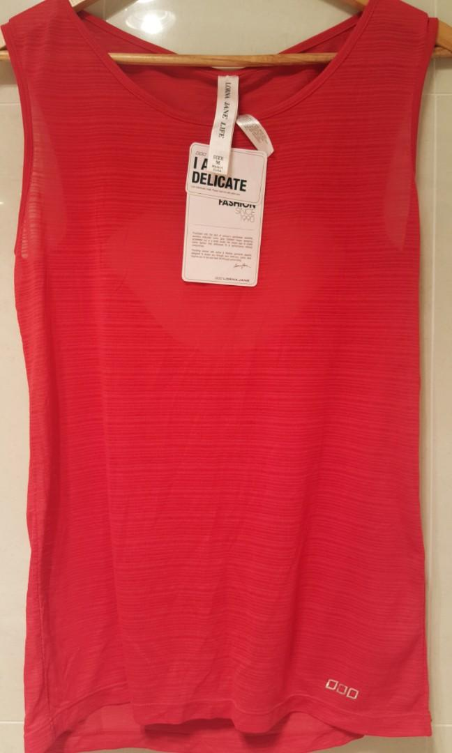Lorna Jane  gym top Size M 100% polyester