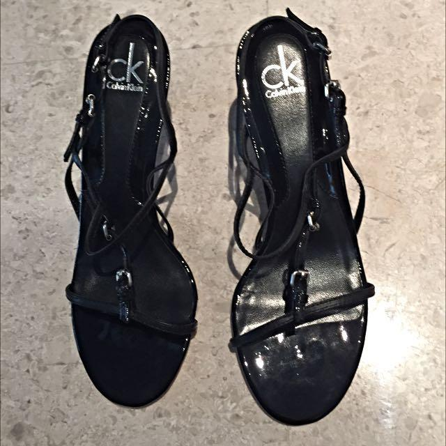 Priced Reduced To Clear! Brand New Black Calvin Klein Strappy Slip On Size 36