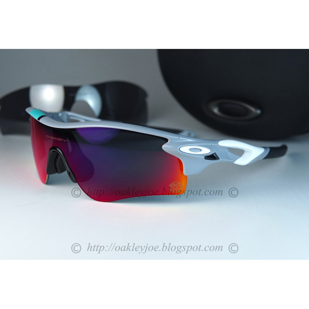 Xmas Sale! BNIB Oakley Radarlock polished fog + positive red + black ... 1aae7e74a3