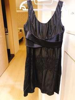 刺繡絲質洋裝