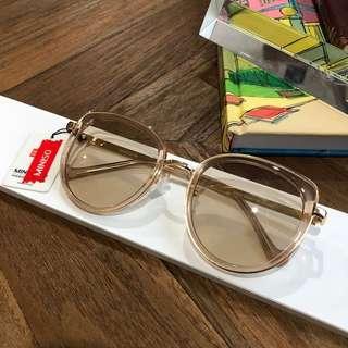 Kacamata hitam / Sunglasses
