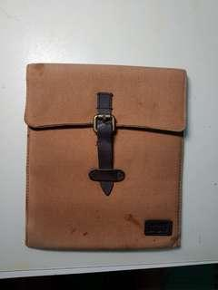 Levis ipad pouch