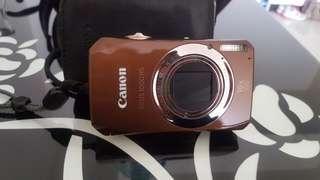🚚 太愛買相機,日本買的。