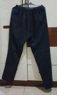 Celana hamil biru tua