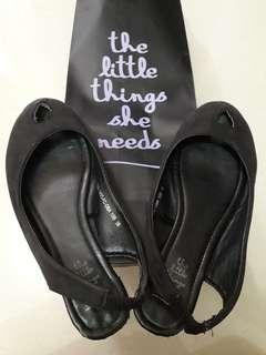 The Little things she needs sepatu black faltshoes hitam size 36
