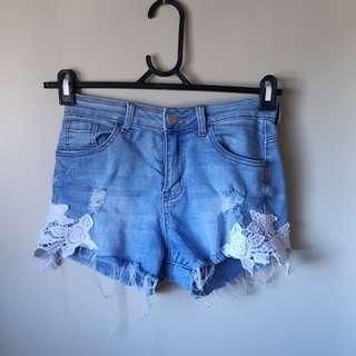 ❤MIRROU- SIZE 8 DENIM SHORTS❤