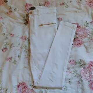 ❤MIRROU- SIZE 8 WHITE PANTS ZIPPER DETAIL❤