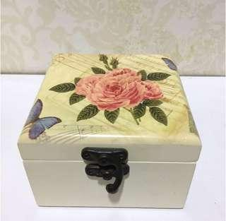 jewelry box lovely lace